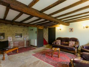A seating area at Highbury Cottage