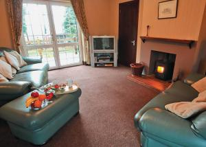 A seating area at Ty Maen Cottage