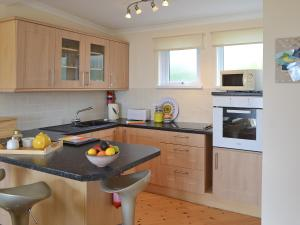 A kitchen or kitchenette at Bay View