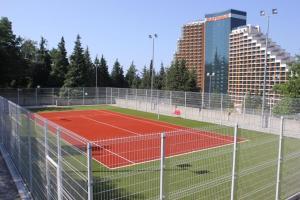 Теннис и/или сквош на территории Apartment Meridian Dagomys или поблизости