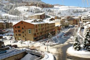Apartamentos Turísticos Roc Del Castell during the winter