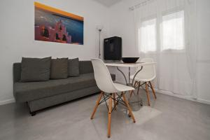 A seating area at Corrado Caldera Apartments