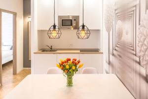 A kitchen or kitchenette at No.3 Apartment Link-To-Happiness