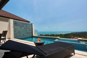 The swimming pool at or close to Villa Baan Saitara
