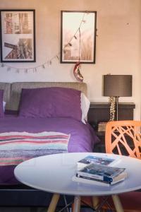 Cama o camas de una habitación en Casa Deco con piscina