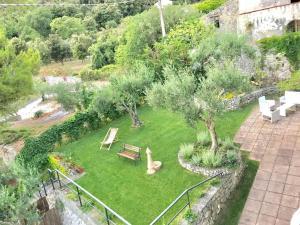 Vista sul giardino di Residenze Maremonti o di uno nelle vicinanze