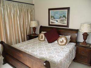 A bed or beds in a room at Stratos