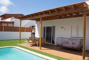 The swimming pool at or close to Villa Taginaste