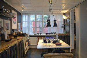 A kitchen or kitchenette at Art Centrum Apartments