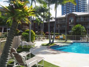 The swimming pool at or near Oceanside Cove Holiday Apartments