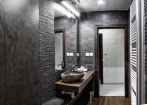 A bathroom at Apartment Centrum Exclusive