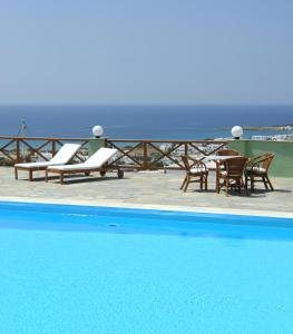 The swimming pool at or close to Carlo Bungalows