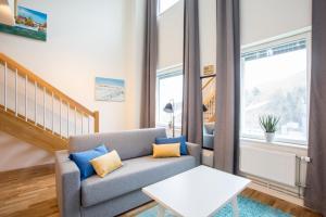 En sittgrupp på ApartDirect Hammarby Sjöstad