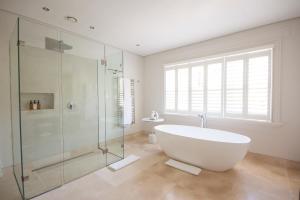 A bathroom at Homestead at Oldenburg Vineyards