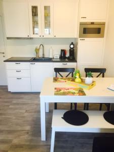Een keuken of kitchenette bij Vakantiestudio Melroce