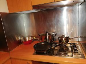 Una cocina o zona de cocina en Andes Suites