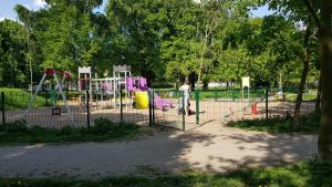 Children's play area at New apartment 100m from old town and marina