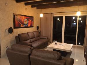 Zona de estar de Marina Nopolo 112