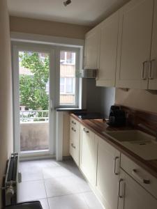Een keuken of kitchenette bij Apartments Iris