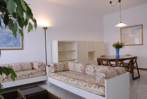 A seating area at Residence Il Patriarca