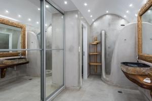 A bathroom at Villa Konstantin