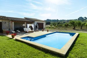 The swimming pool at or near Finca Sera de Caimari