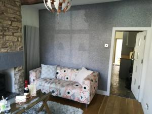 A seating area at Delph Cottage
