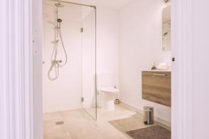 A bathroom at Apartamentos Catharina Maria