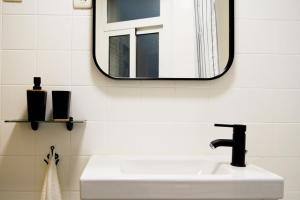 A bathroom at House of Art