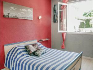 Un ou plusieurs lits dans un hébergement de l'établissement Four-Bedroom Holiday Home in Villeneuve Sur Lot