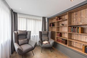 Coin salon dans l'établissement Emerald Stay Apartments Morzine - by EMERALD STAY