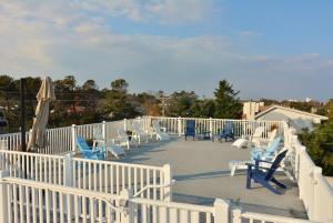 The swimming pool at or near Memories Beach House