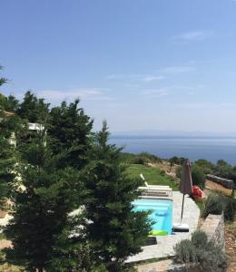 A view of the pool at Petra Mare Village or nearby
