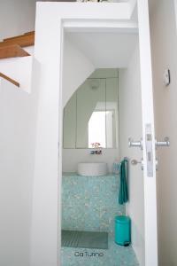 A bathroom at Ca'Turino