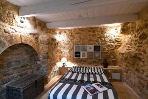 Spa and/or other wellness facilities at Le petit trésor du Luberon