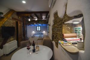 ห้องอาหารหรือที่รับประทานอาหารของ Traditional Piran studio