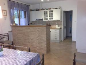 Kuchyň nebo kuchyňský kout v ubytování RD Dobre Pole