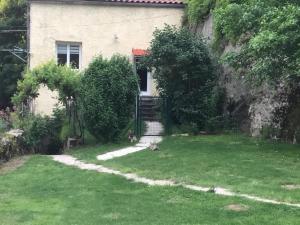 A garden outside Aveyron Belle Vue
