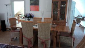 Ein Restaurant oder anderes Speiselokal in der Unterkunft Bio Ferienwohnung