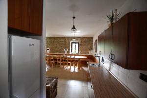 Kuchyň nebo kuchyňský kout v ubytování Chalupa Chlum Jiřík
