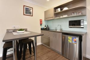 A kitchen or kitchenette at Marbles on Lovedale