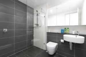A bathroom at High end riverside apartment in Parramatta CBD