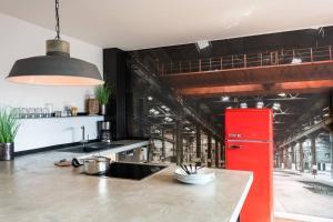 A kitchen or kitchenette at Exklusive Design Erlebnisferienwohnung