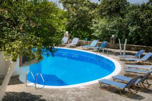 The swimming pool at or near Vivian Apartments