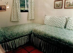 Una cama o camas en una habitación de DUT Bariloche con Maxisol