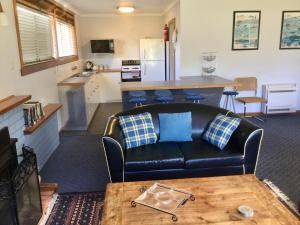 A seating area at Orford Prosser Holiday Units