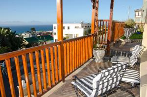 A balcony or terrace at Sundowner Loft