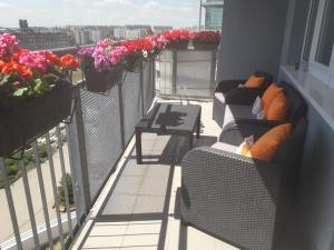 Балкон или терраса в Bright Apartment with Terrace