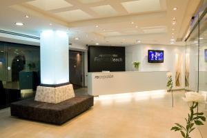 De lobby of receptie bij Apartamentos Ferrera Beach
