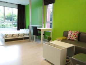 พื้นที่นั่งเล่นของ Dcondo Hyde Chiang Rai by AJ